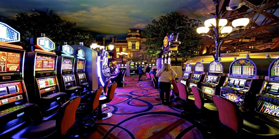 How to Play Slot Machines - Learn the Ropes
